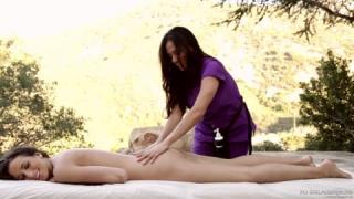 Des caresses mémorables avec une masseuse magnifique
