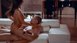 Je n'arrive toujours pas à croire qu'il la baise à Mr Sexe
